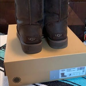 UGG Classic Short Leather boot